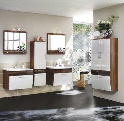 Badezimmer Spiegel mit Beleuchtung walnuss